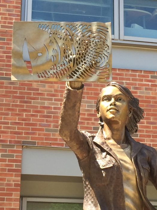 The Quintessential Engineer, a bronze sculpture by Julie Rotblatt-Amrany for the University of Illinois